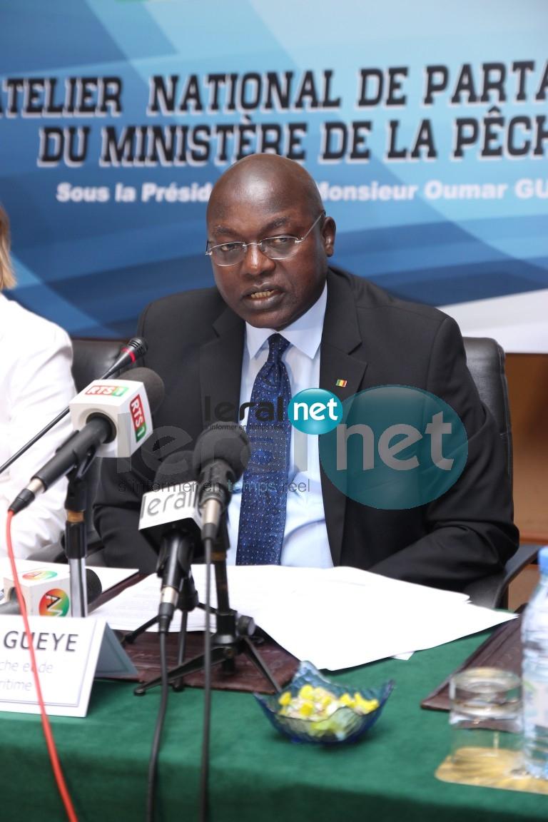 Gouvernement face à la presse: Oumar Guèye annonce sa suspension