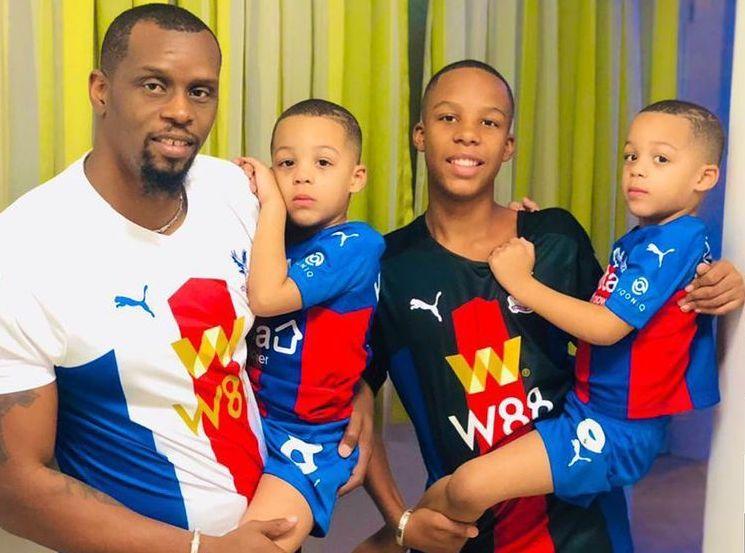 Henri Camara en toute complicité avec ses jumeaux Kyllian et Keylan (Photos)