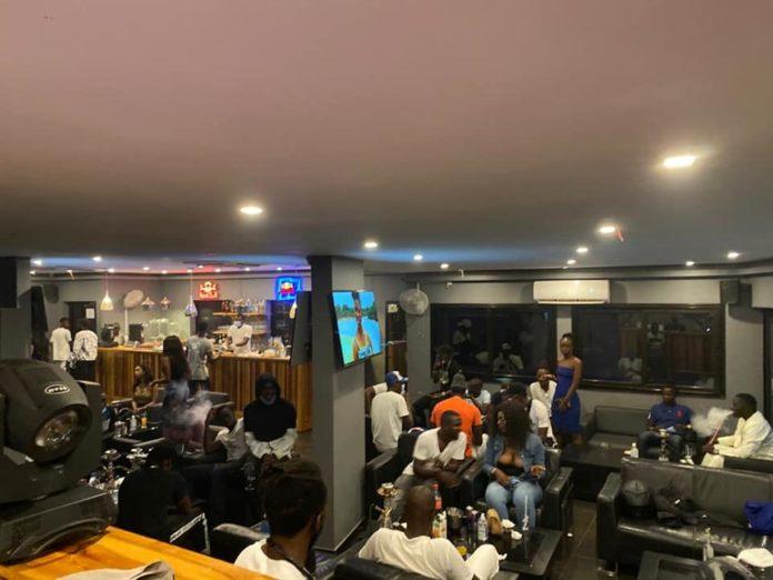 Covid-19 : Bars et restaurants en mode « clando », accueillent exclusivement des privilégiés de la République