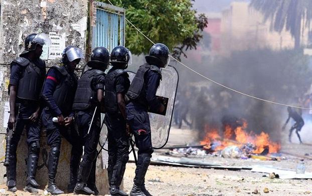 Urgence signalée: Ça chauffe chez Sonko entre les militants et la police !