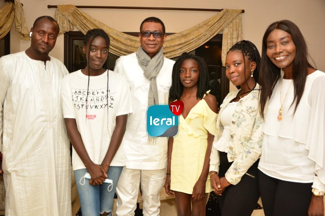 Youssou Ndour chez Coumba Gawlo Seck pour lui témoigner sa solidarité  (Images)