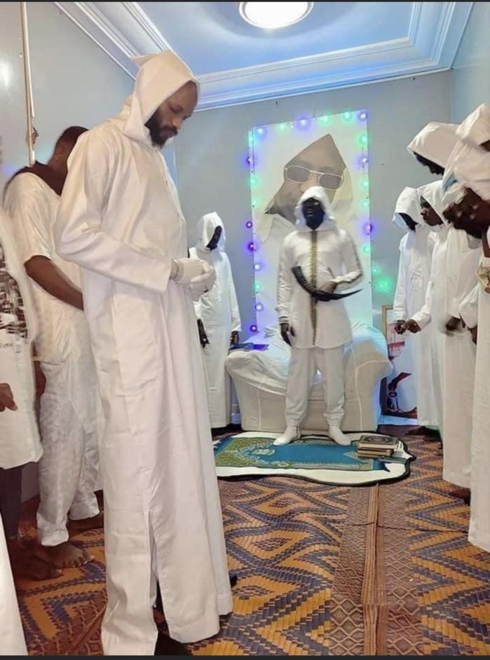 """TAWAAF À TOUBA / Le cerveau des """"tout de blanc vêtus"""" se réclame de Kara...: Lui et quatre de ses condisciples devant le procureur"""