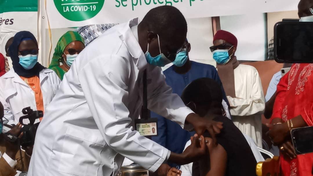 Campagne de vaccination: Les autorités sanitaires et étatiques donnent l'exemple aux populations (Photos)
