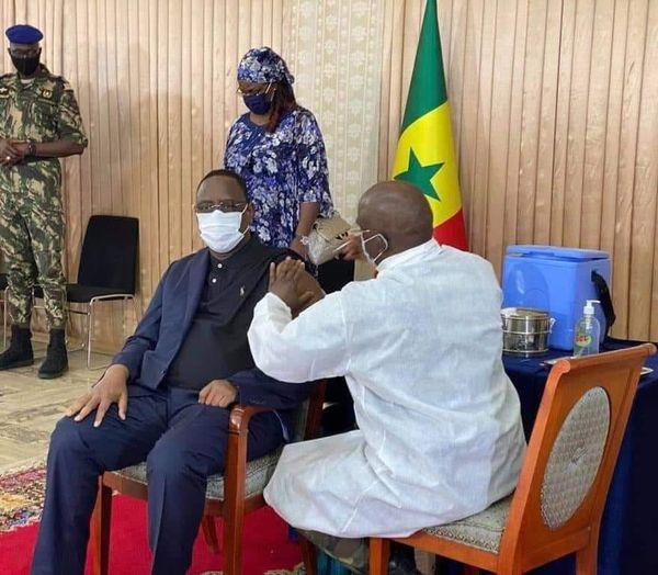 """Macky Sall: """"Si on ne prend pas les vaccins, je vais les donner à d'autres pays africains qui en ont besoin..."""""""