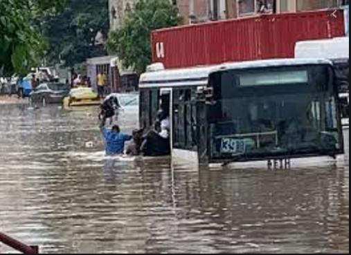 Stratégie nationale de protection civile : Le Chef de l'Etat insiste sur les risques de catastrophes
