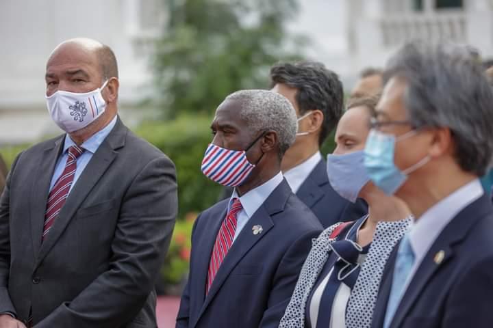 Sénégal: Réception de 324.000 doses de vaccins de l'initiative Covax, les USA ont contribué à hauteur de 4 milliards de dollars