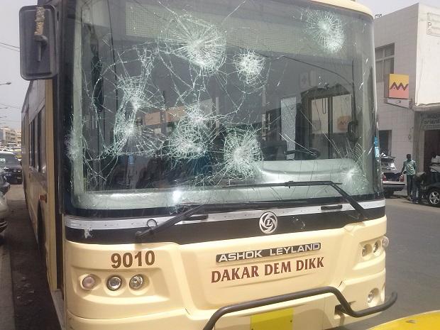 La violence surgit de presque partout : Le terminus de Liberté 5 attaqué, les locaux du « Soleil » aussi