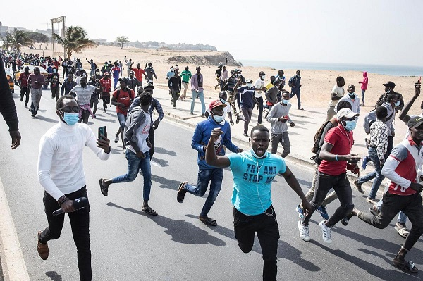 Spectre du chaos : Des ministres et des responsables de l'APR avaient pris la fuite durant le week-end