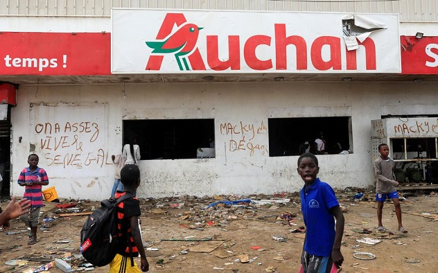 Pillage des enseignes françaises : Des actes de vandalisme négatifs sur l'économie nationale