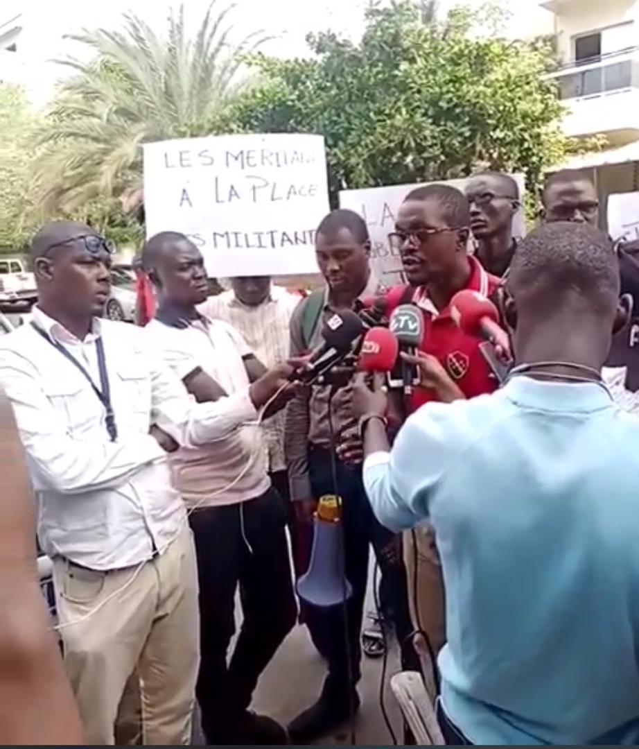 """Des diplômés sans emploi mettent en garde la Chambre des Notaires du Sénégal, """"de toute tentative d'insertion de leurs clercs dans ladite profession..."""""""