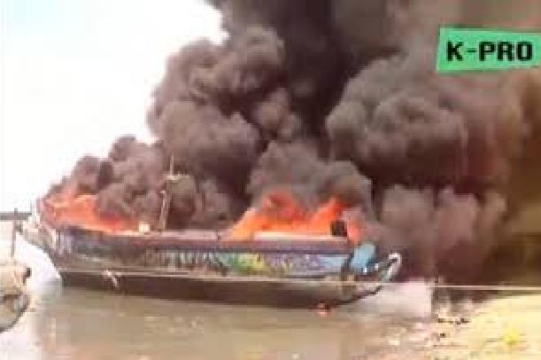 « Sénégal dégage ! » lance-t-on en Gambie : Suite aux tensions, 30 bateaux de pêche sénégalais incendiés