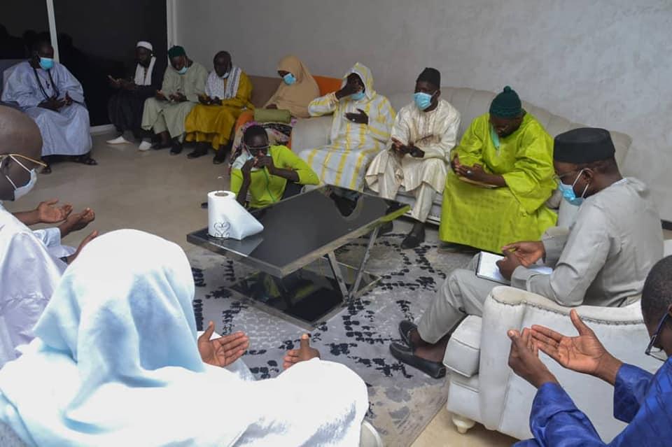 """Pour barrer la route aux LGBT -"""" And Sàmm jikko yi"""" rend visite à Ousmane Sonko (photos)"""