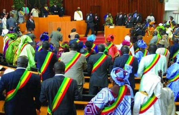 Perte de son poste de député : Après Issa Sall, Déthié Fall dans le viseur de l'article 61 de la constitution
