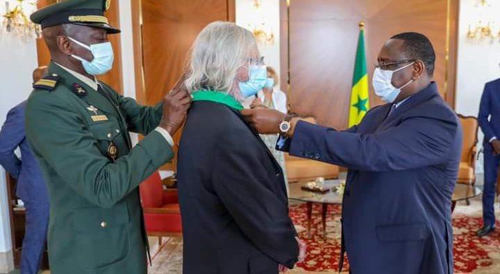 Décoration: Pr. Raoult élevé à la dignité de Commandeur dans l'Ordre national du Lion