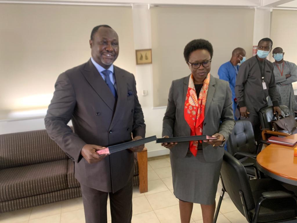 Signature du mandat de levée de fonds entre la Sar et Africa Finance corporation