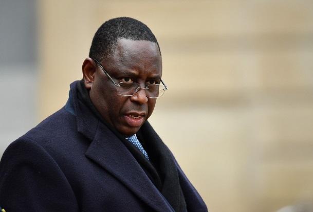 Entre « faux amis » et fidèles compagnons: Macky Sall au milieu de tous les coups