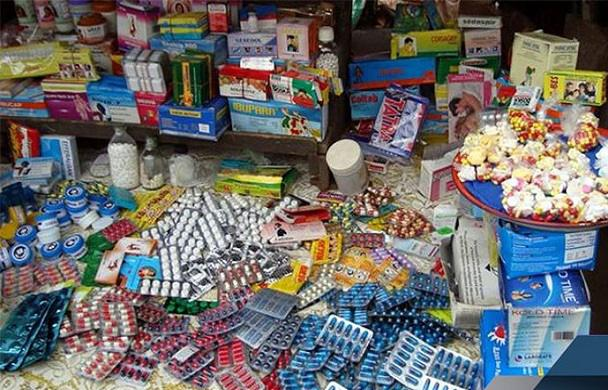 Saisie de médicaments: La Direction de la Pharmacie mouillée, hôpitaux et cliniques servis