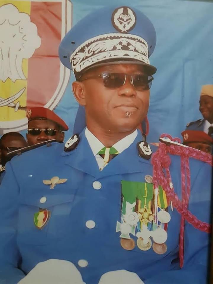 Sénégal: Conséquences des émeutes, après les primes « Adji Sarr », Macky Sall sabre les premières tetes