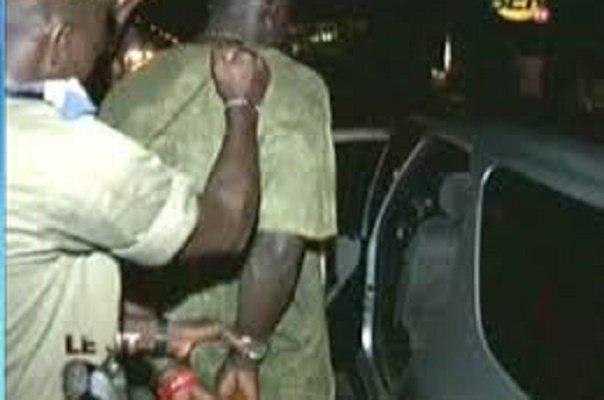 « Ivre comme un Polonais »: Almamy Vincent heurte la voiture de l'adjoint du commandant, l'empoigne et déchire son boubou