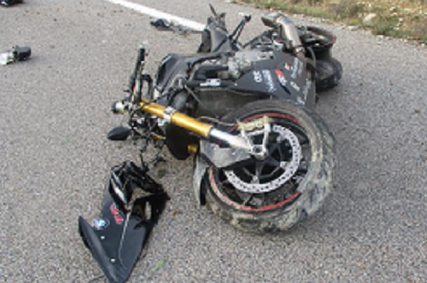 Drame à Ouakam: un conducteur d'un scooter heurté par un taxi, puis écrasé par un minicar
