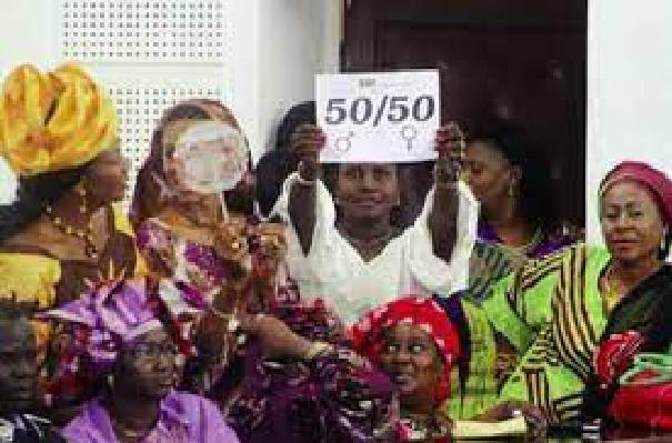 Mieux gérer les ressources des collectivités: Les femmes aux commandes !