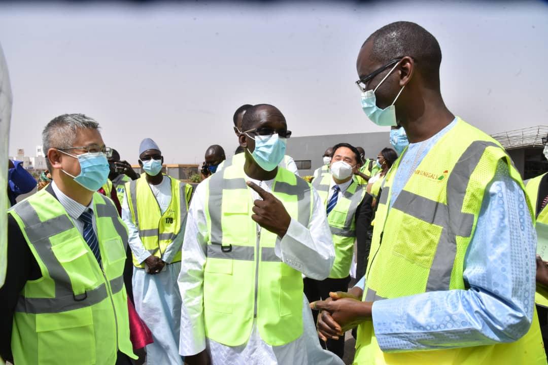 """Réception de 300 000 doses de vaccins Sinopharm: """"Avec ce don, nous pouvons accélérer le processus de vaccination...."""" (Abdoulaye Diouf Sarr)"""