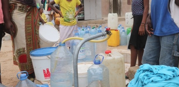 Pour de l'eau: Les populations de Ndiar barrent la Route des Niayes