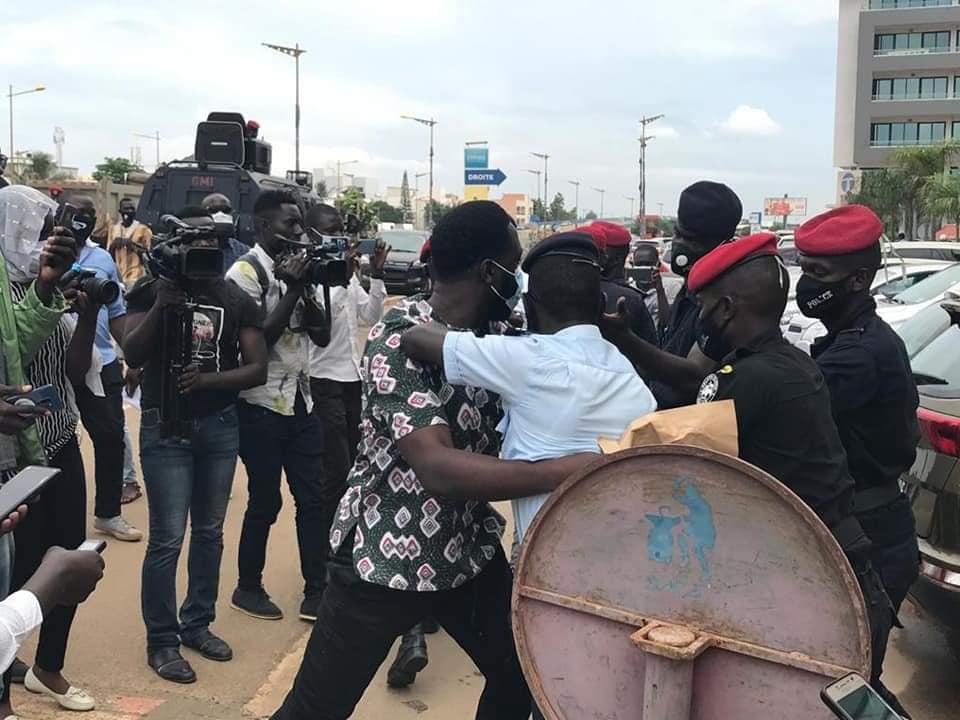 Vague d'arrestations à Dougar: Les mouvements Y en a marre, Frapp-France Dégage, comptent apporter leur soutien