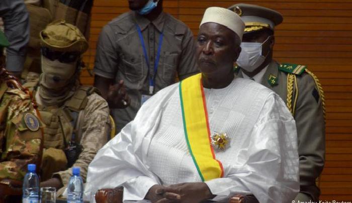 Un nouveau coup d'état annoncé au Mali : Bah N'Daw et Moctar Ouane arrêtés