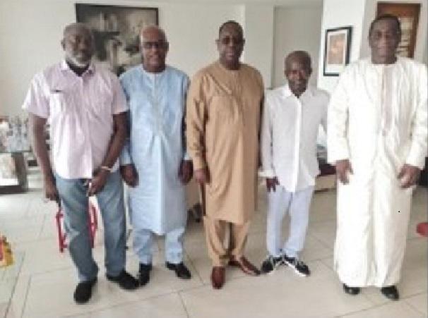 Condoléances et compassion: Macky Sall aussi était chez Diagna Ndiaye ce weekend