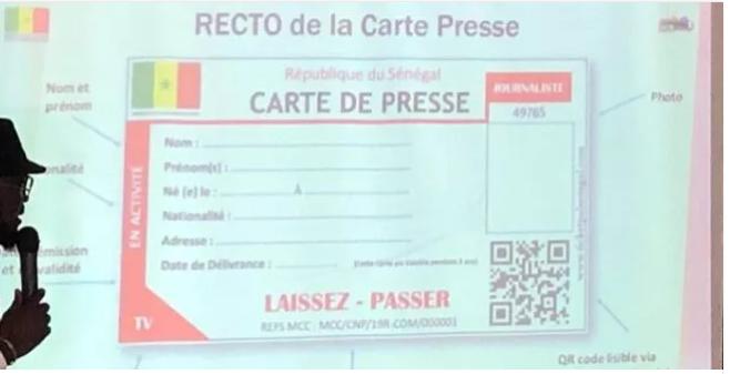Remise officielle des premières cartes nationales de presse aux journalistes et techniciens des médias, ce lundi