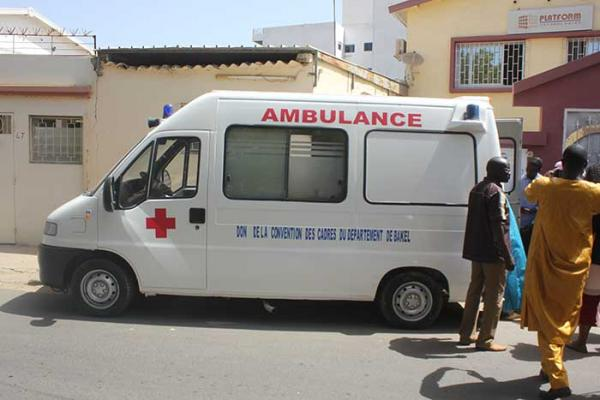 Tivaouane Diacksao dotée d'une ambulance