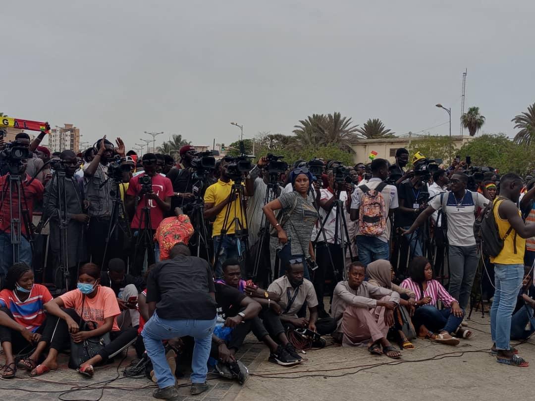 Revivez en images le rassemblement du M2D à la Place de la Nation (Photos)