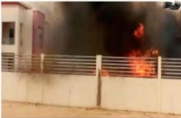 Violence notée au Fouta : Les jeunes de Ndouloumadji incendient la maison de Macky Sall