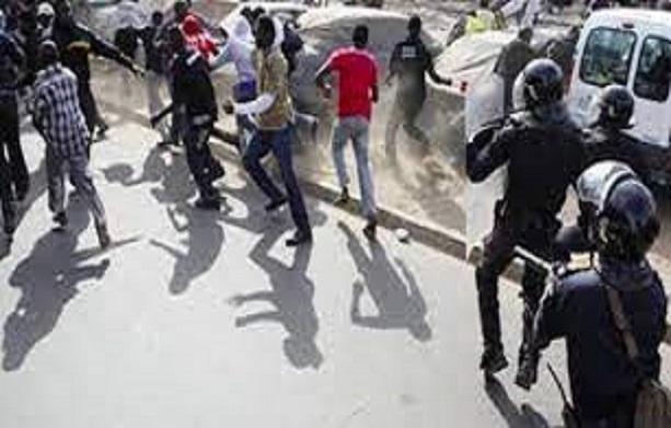 Furie des étudiants de l'université de Thiès: Ils ont déversé leur colère dans la rue