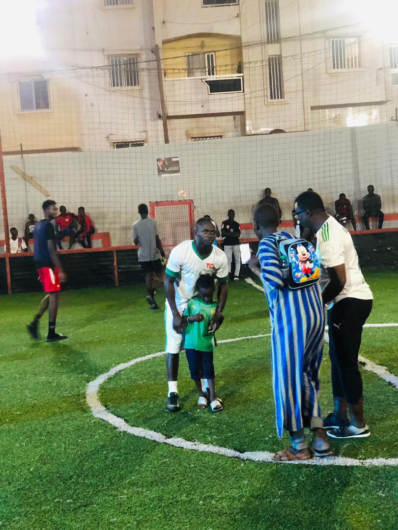 Photos-Vidéo / Fan de Sadio Mané: Ass Malick Sow, âgé de 5 ans, a finalement rencontré son joueur préféré