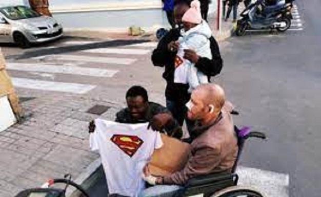 Espagne : Un Sénégalais sans-papiers sauve héroïquement un vieil homme de la noyade