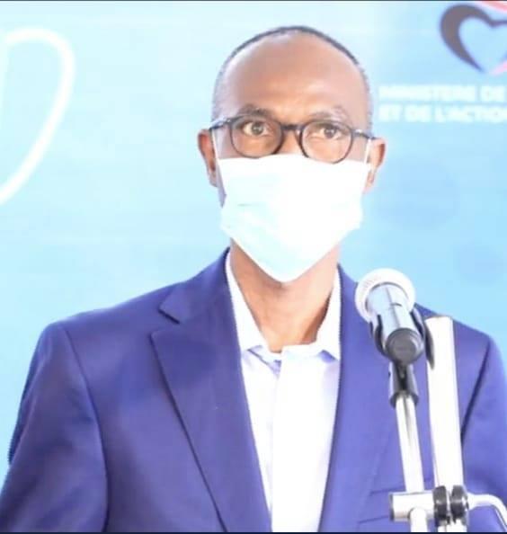 Covid-19 / Formes graves chez les jeunes: Le professeur Moussa Seydi sonne l'alerte