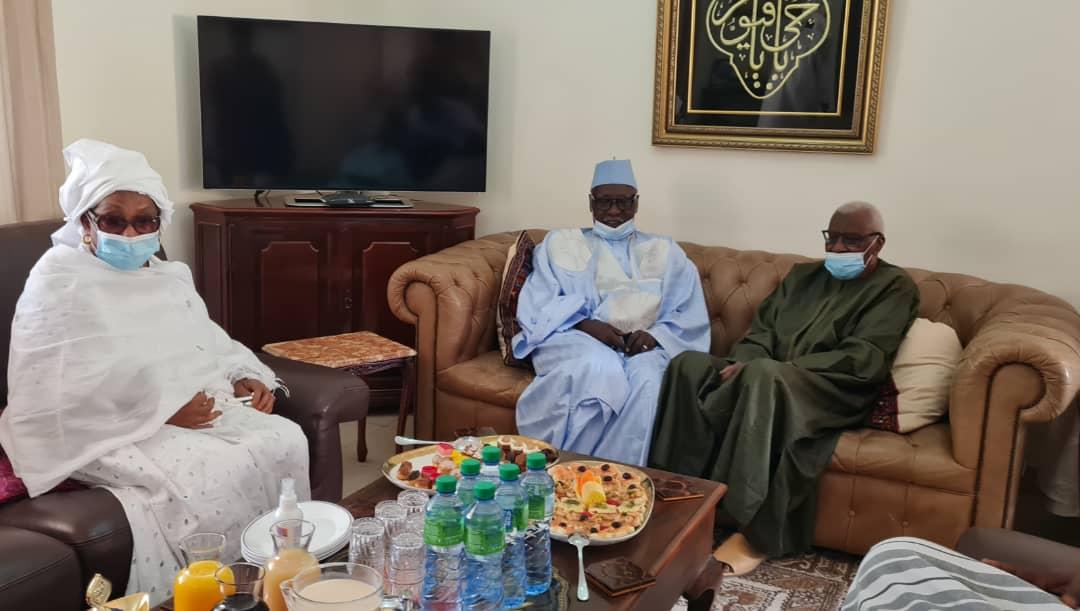 Le Khalife Babacar Sy Mansour rend visite  au président Lamine Diack (en image)
