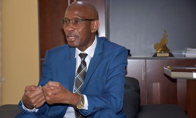 Vaccination forcée en entreprise: Samba Sy, ministre du Travail, rejette cette mesure