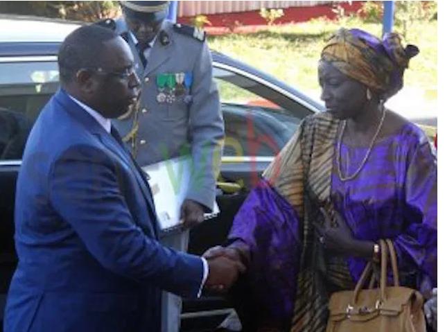 Retour sur la scène politique : Mimi défend Macky sans Cese