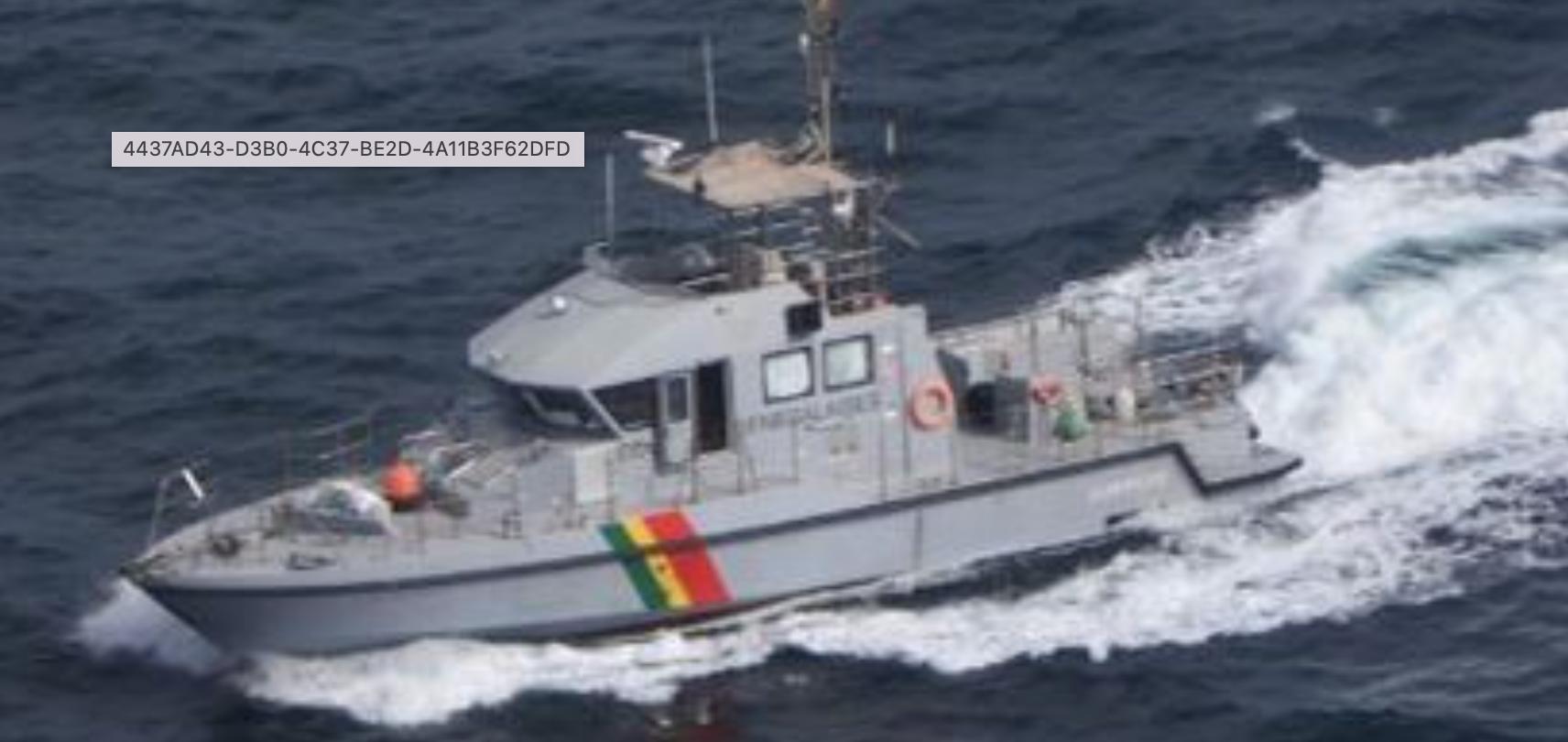 Mission de surveillance des pêches: Le Falcon 50, les patrouilleurs le Taouay et le Djiffere manœuvrent dans le Golfe de Guinée