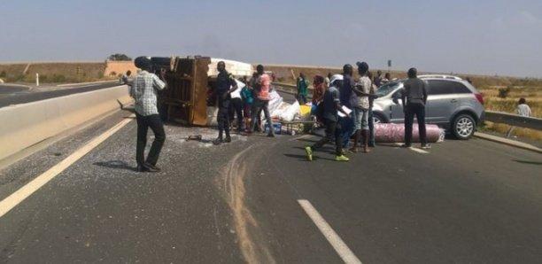 Autoroute à péage: Un camion s'est renversé à hauteur de Sangalkam