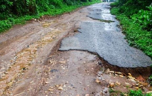 Route cahoteuse, poste de santé sans équipements: Diayane déverse sa colère dans la rue