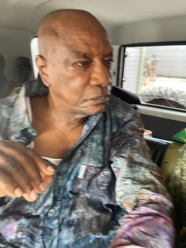 Guinée: Alpha Condé renversé, Mamadou Doumbouya nouvel homme fort!  (images)