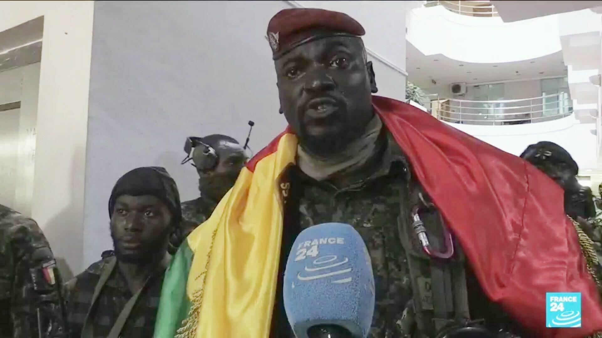 Contact: Le Colonel Doumbouya a appelé Macky Sall, invité à ne pas reconnaître ce régime