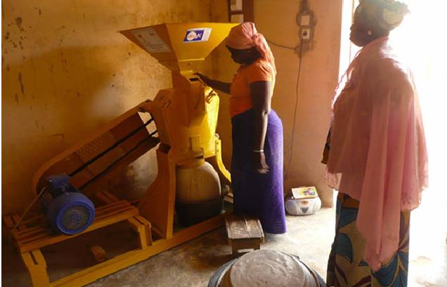 Allègement des travaux domestiques dans l'île à Morphil: Dix moulins à mil remis à des groupements de femmes
