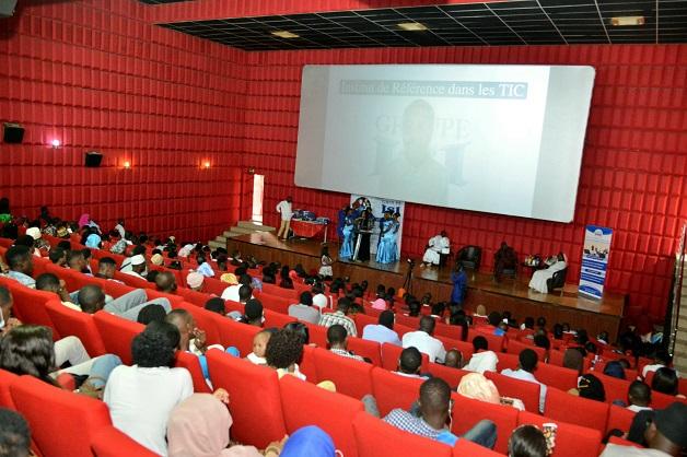 Journée de l'Excellence: Les années d'efforts des étudiants de l'Institut Supérieur d'Informatique, récompensées