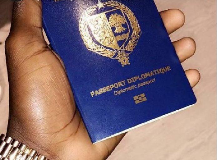 Tous ses passeports ont été remplacé ou retiré du circuit depuis 2019