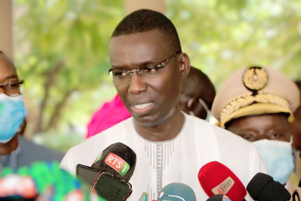 Xeyu Ndaw Yi: Le Ministre Dame Diop octroie des bons de formation 114 millions F CFA  à Kaolack et Fatick